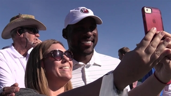 Patrick Peterson, Mark Wahlberg get in the swing of things at Phoenix Open Pro-Am