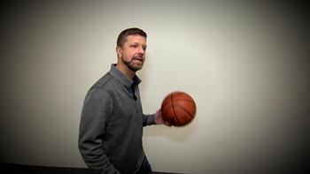 Mavs Insider: God Shammgod teaches Jeff to dribble