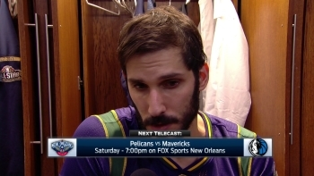Omri Casspi injures thumb in loss to Rockets