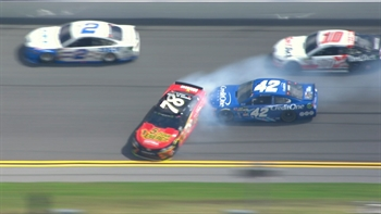 Truex and Buescher Wreck Late | The Clash 2017