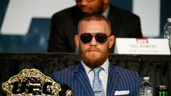 Conor McGregor 'very close to inking' a deal to fight Floyd Mayweather