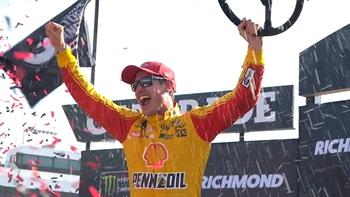 Joey Logano Wins First Race of the Year | 2017 RICHMOND | FOX NASCAR