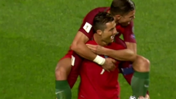Cristiano Ronaldo scores a free kick | 2018 World Cup Qualifying