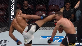 This head kick landed by Thiago Santos is a work of art