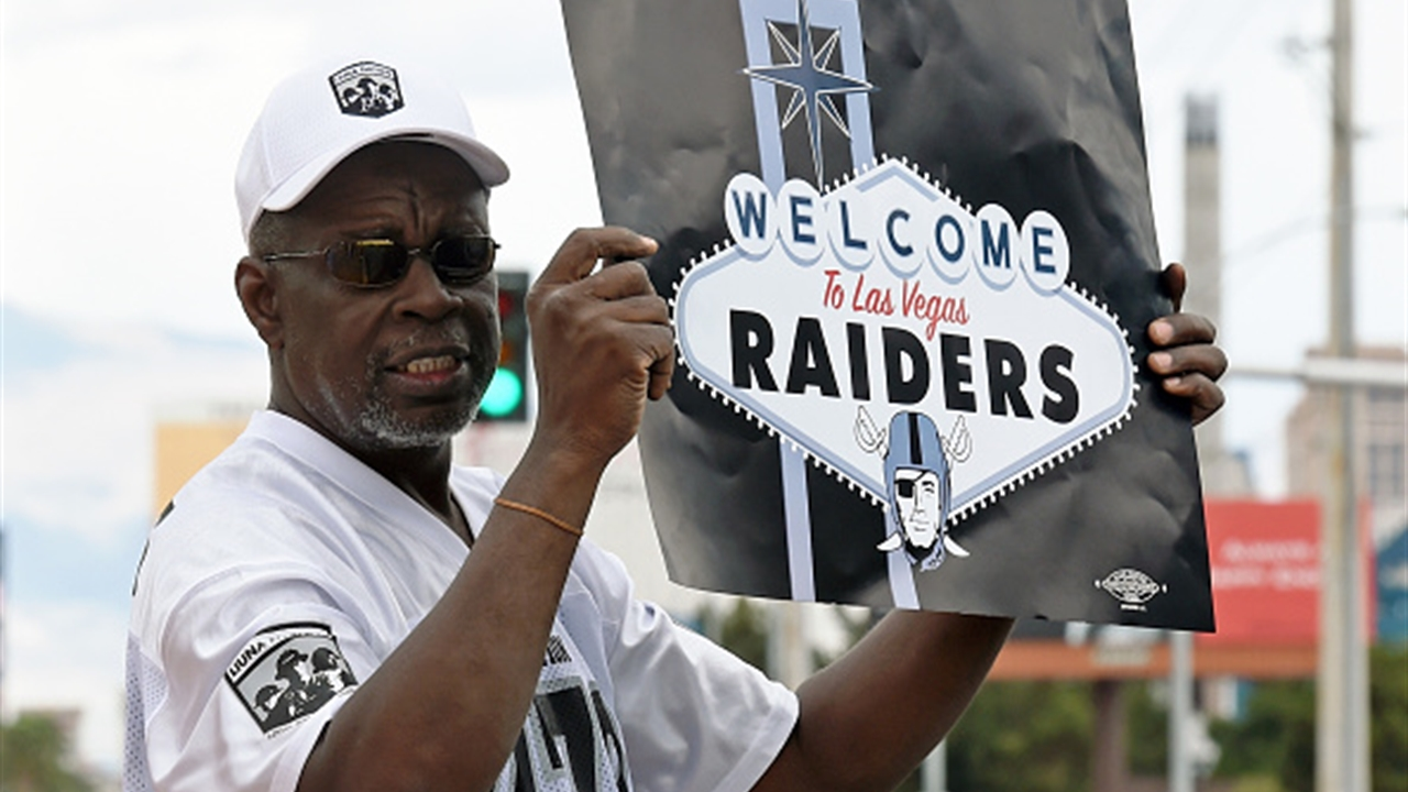 Warriors' Draymond Green encourages Raiders fans to boycott remaining Oakland games