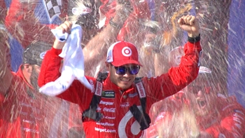 Kyle Larson Dominates in California | 2017 FONTANA | FOX NASCAR