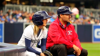 What's it like being a Padres ball girl?