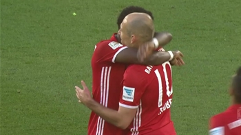 Arjen Robben strikes for Bayern against Wolfsburg | 2016-17 Bundesliga Highlights