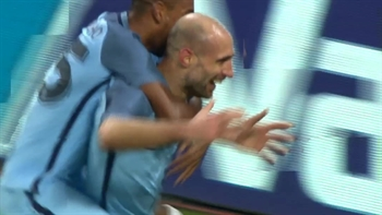 Pablo Zabaleta scores for Manchester City | 2016-17 FA Cup Highlights