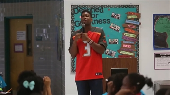 Jameis Winston sends controversial message in pep talk to kids