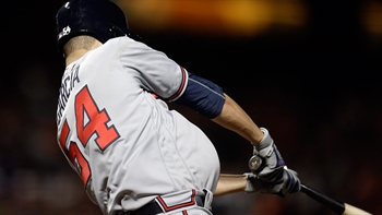 WATCH: Jaime Garcia helps himself as Braves break through in win over Giants