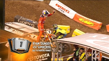 Ryan Dungey Wins as Eli Tomac Falters at East Rutherford | 2017 MONSTER ENERGY SUPERCROSS