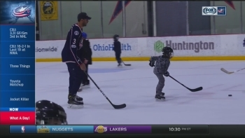 Blue Jackets players crash youth hockey team's practice