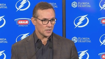 Lightning's Steve Yzerman explains decision to trade Ben Bishop